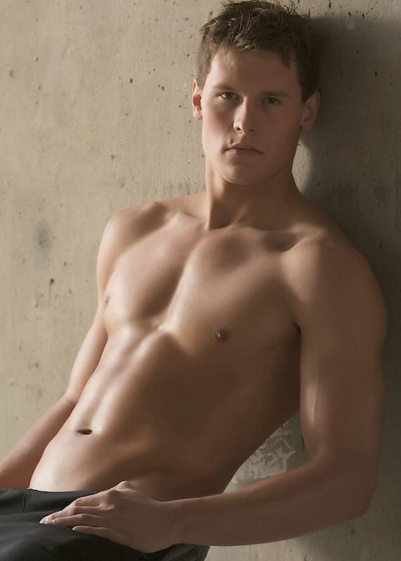 Meet Sexy College Muscle Surfer Kody at Island Studs - Fresh Male.